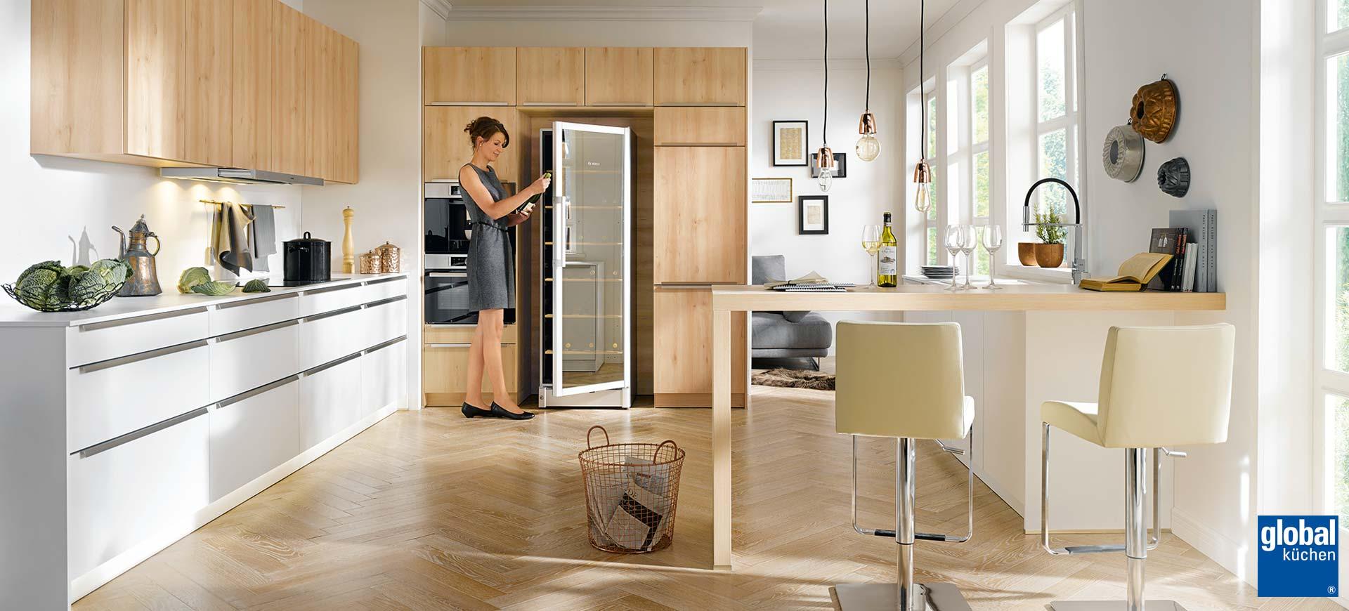 unser infofilm k chen im raum siegen gummersbach hennef westerwald waldbr l olpe. Black Bedroom Furniture Sets. Home Design Ideas
